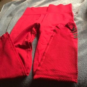 PINK red seamless Capri